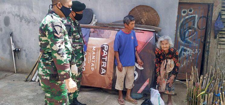 Ditengah Pandemi Corona Batalyon Infantri Raider 301PKS Sumedang Laksanakan Bhakti Sosial Pembagian Sembako