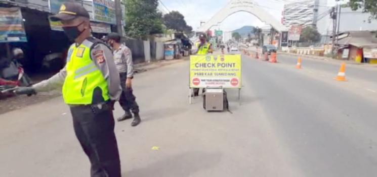 Hari Kedua PSBB Tahap III Chek Point di Kabupaten Sumedang Perketat Penjagaan