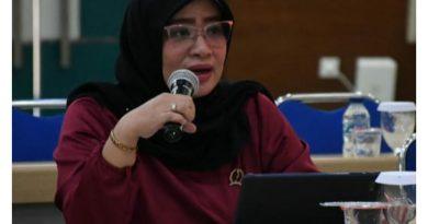 Ketua Fraksi NasDem Persatuan Indonesia Dewan Perwakilan Rakyat Daerah DPRD Provinsi Jawa Barat Hj. Tia Fitriani.