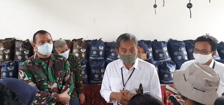 Satgas Citarum Harum Sektor 21 Salurkan Bantuan Sembako Bagi Masyarakat Terdampak Coorona 3