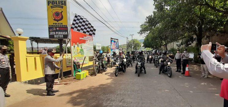 TNI Polri Peduli Covid 19 Kapolres Sumedang Pimpin Bhaksos Bantu Warga Terdampak Corona 2