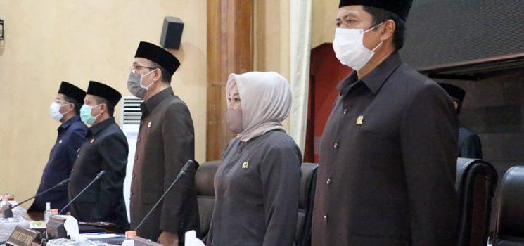 DPRD Bersama Pemkab Sumedang Sahkan Raperda Tentang Perubahan APBD 2020