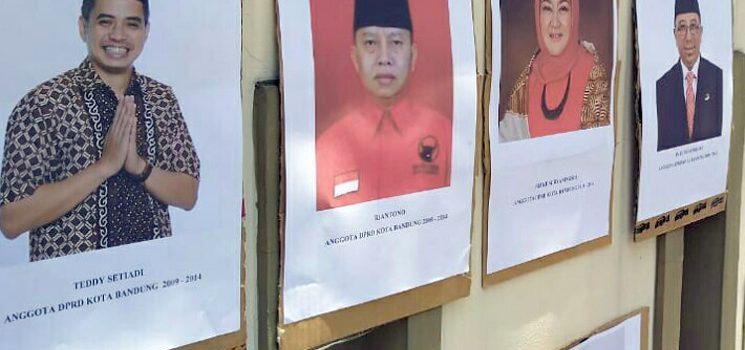 Saat Sidang RTH Ada Massa Tempel Foto Oded di PN Tipikor Bandung 2