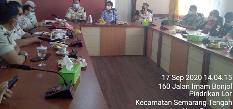 Usai di Cirebon Direktur Satpol PP dan Linmas Pantau Penegakan Disiplin Prokes di Semarang