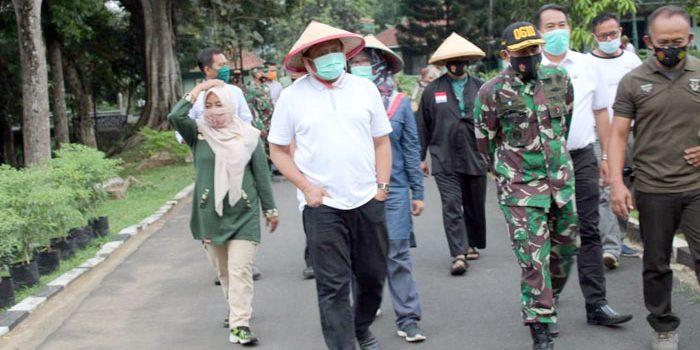 Bupati Ajak Warga Tiru Kegiatan Ketahanan Pangan Kodim 0610Sumedang
