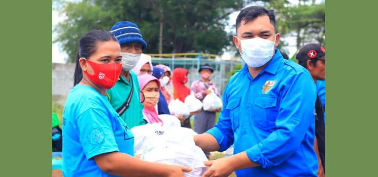 Hari Sumpah Pemuda Ke 92 KNPI Sumedang Bakti Sosial di Objek Wisata Tegal Jarong