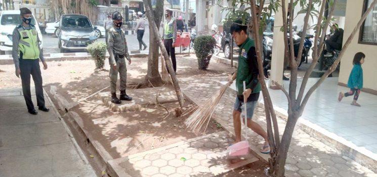 Tidak Bermasker Belasan Warga Terjaring Razia oleh Satpol PP Kecamatan Jatinangor