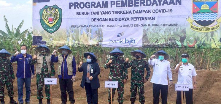 bank bjb Dukung Pemberdayaan Petani di Kabupaten Bandung Barat