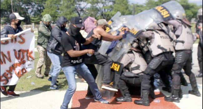 400 Personel Gabungan TNI Polri Ikuti Simulasi Penanggulangan Huru Hara Pilkada dan Pilkades Serentak di Sumedang