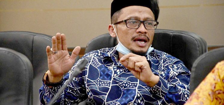 Anggota Fraksi Gerindra DPRD Jawa Barat Cecep Gogom 3