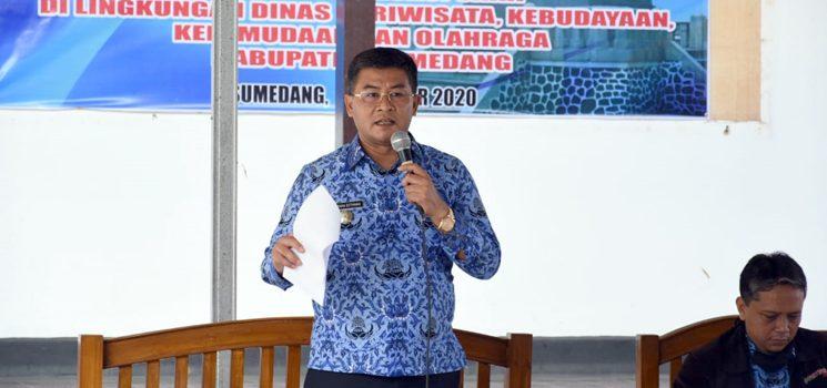 Erwan Buka Sosialisasi Pelaksanaan ZI Menuju Wilayah Bebas KKN di Disparbudpora Sumedang