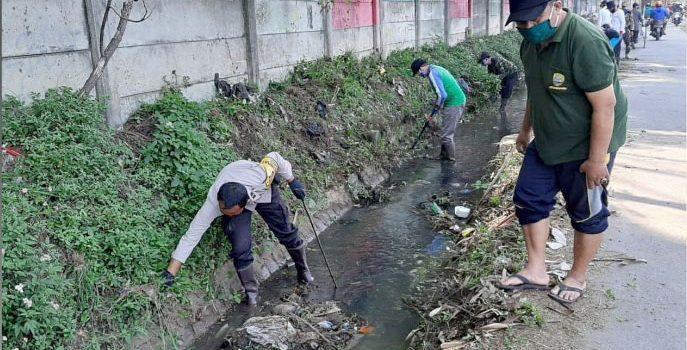 Jumat Bersih Saluran Air Cipasir Dibersihkan untuk Antisipasi Banjir