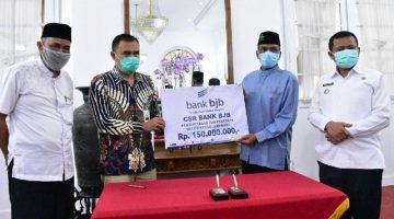 Disaksikan Bupati Bank bjb Salurkan Dana CSR untuk Kabupaten Sumedang