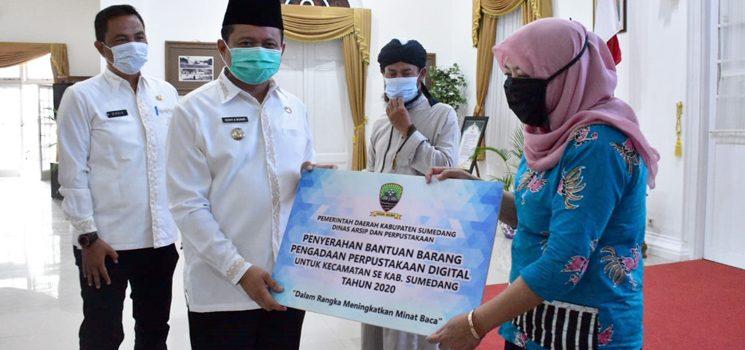 Pemkab Sumedang Bagikan Sapras Perpustakaan Digital bagi SKPD Kecamatan dan Pondok Pesantren