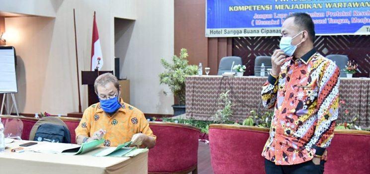 Wakil Ketua DPRD Jabar Apresiasi PWI Cianjur Gelar UKW Hoak Harus Dilawan