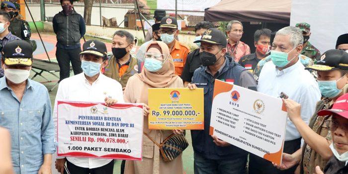 Di Posko Bencana Cimanggung Wabup Sumedang Menerima Kunjungan Kerja Spesifik Komisi VIII DPR RI