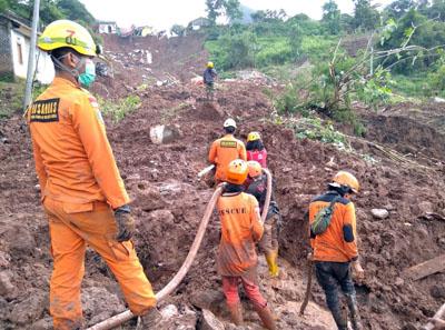 Korban Longsor Cimanggung 16 Meninggal 23 Orang Dalam Pencarian Tim SAR Gabungan 1