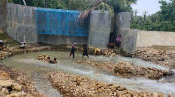 Pasca Diterjang Banjir Bandang Bangunan Pompa Air