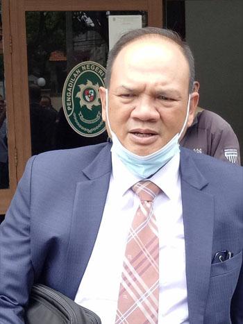 Penasihat Hukum Dadang Suganda Efran Helmi Juni. FOTODRY