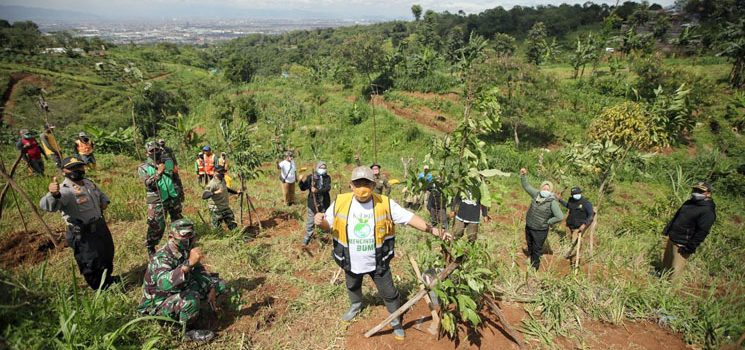 Tanam 2018 Pohon Pemkot Bandung Terus Hijaukan Blok Garung 2