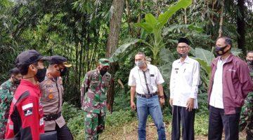 Sinergitas TNI Polri Kapolres Sumedang Bersama Dandim 0610 Cek Pembangunan Jembatan Gantung