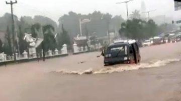 Jalan Ir Soekarno Jatinangor Kebajiran Akibat Proyek Pembangunan Tol Cisumdawu Seksi 1