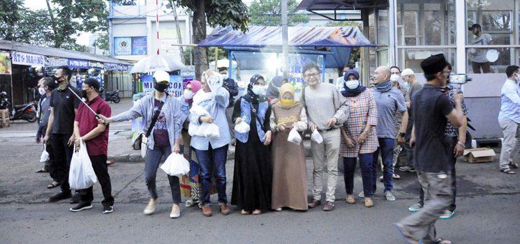 Dany Java Jive Meriahkan Bagi bagi Takjil Bersama PWI dan IKWI Kota Bandung 2