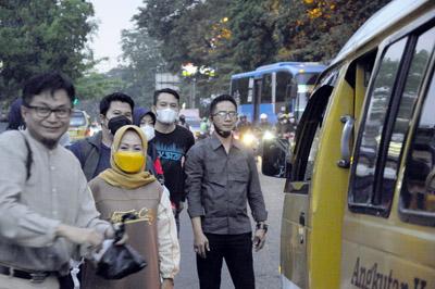 Dany Java Jive Meriahkan Bagi bagi Takjil Bersama PWI dan IKWI Kota Bandung 3