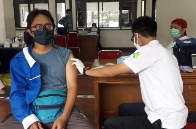 KA KNPI Jabar Sukseskan Vaksinasi di Jabar