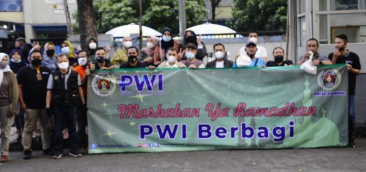 PWI dan IKWI Kota Bandung Kembali Gelar Baksos Ram