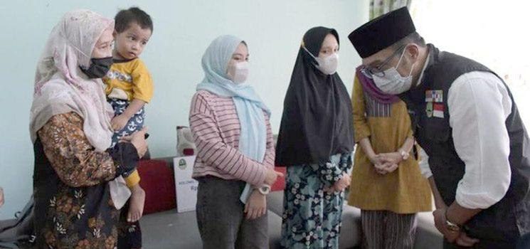 Ridwan Kamil Berikan Kadeudeuh Rp 100 juta Bagi Keluarga Irfan Suri 1