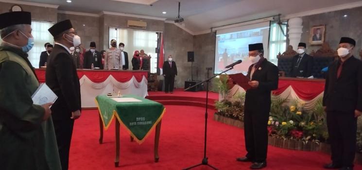 Sah Dede Dilantik Jadi Anggota DPRD Kota Sukabumi