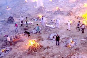 Pembakaran Mayat Korban Covid di India