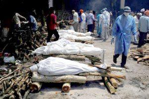 Proses Pembakaran Mayat Terkena Covid 19 di India
