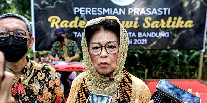 Raden Dewi Sartika merupakan sosok pahlawan nasional