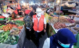Agar Tak Ditutup Ema Ajak Pedagang Pasar Disiplin Prokes