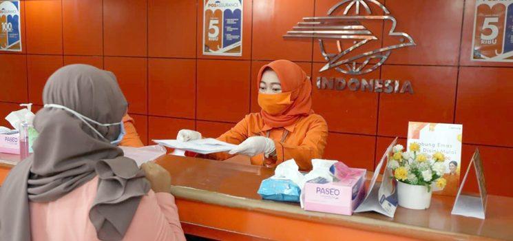 Pos Indonesia Bantu Distribusikan Bansos Tunai Kepada Warga Terdampak Covid 19 2